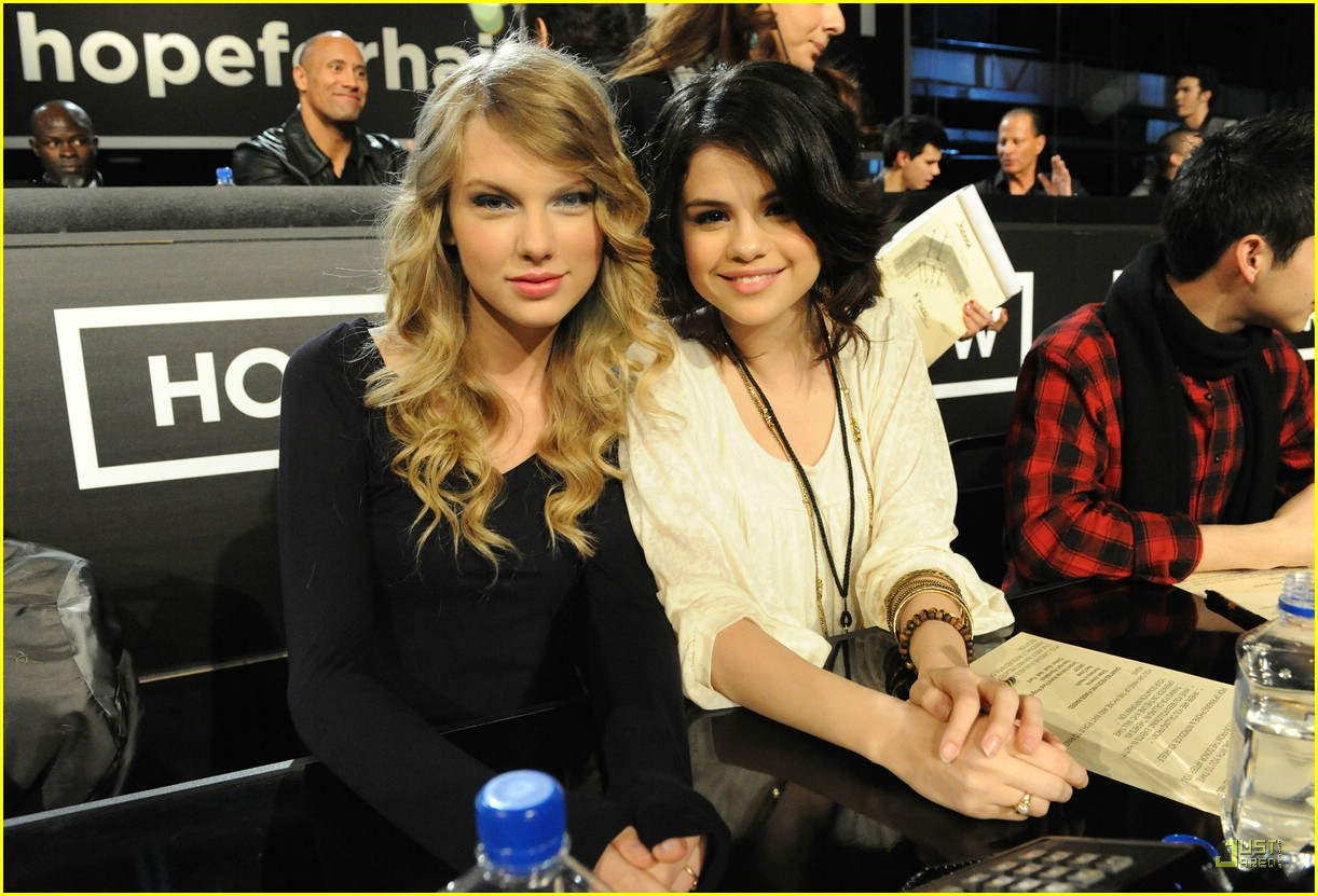 are selena and taylor lautner dating