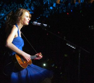 Inside Speak Now Taylor Swift Kicks Off The Speak Now World Tour In Singapore The Swift Agency