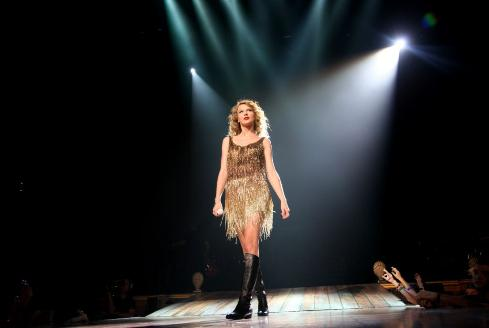 Love Has A Thousand Faces Taylor Swift In Minneapolis And Backstage At Cma Fest The Swift Agency