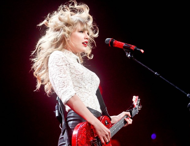 Inside the RED Tour: The Blonde With The Sparkly Guitar ...