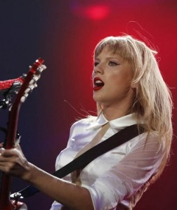 Taylor Swift played to a sold out crowd on Thursday at Wells Fargo Arena in Des Moines. (Des Moines Register Staff photo by Bryon Houlgrave)
