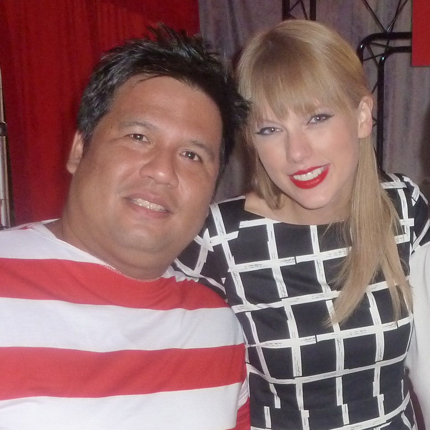 Behind The Red Curtain Meeting Taylor Swift The Swift Agency