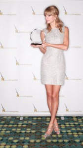 Taylor Swift Honored As 2013 Songwriter/Artist Of The Year By The Nashville Songwriters Association International
