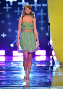 LOS ANGELES, CA - AUGUST 10: Recording artist Taylor Swift onstage during FOX's 2014 Teen Choice Awards at The Shrine Auditorium on August 10, 2014 in Los Angeles, California. (Photo by Kevin Winter/Getty Images)