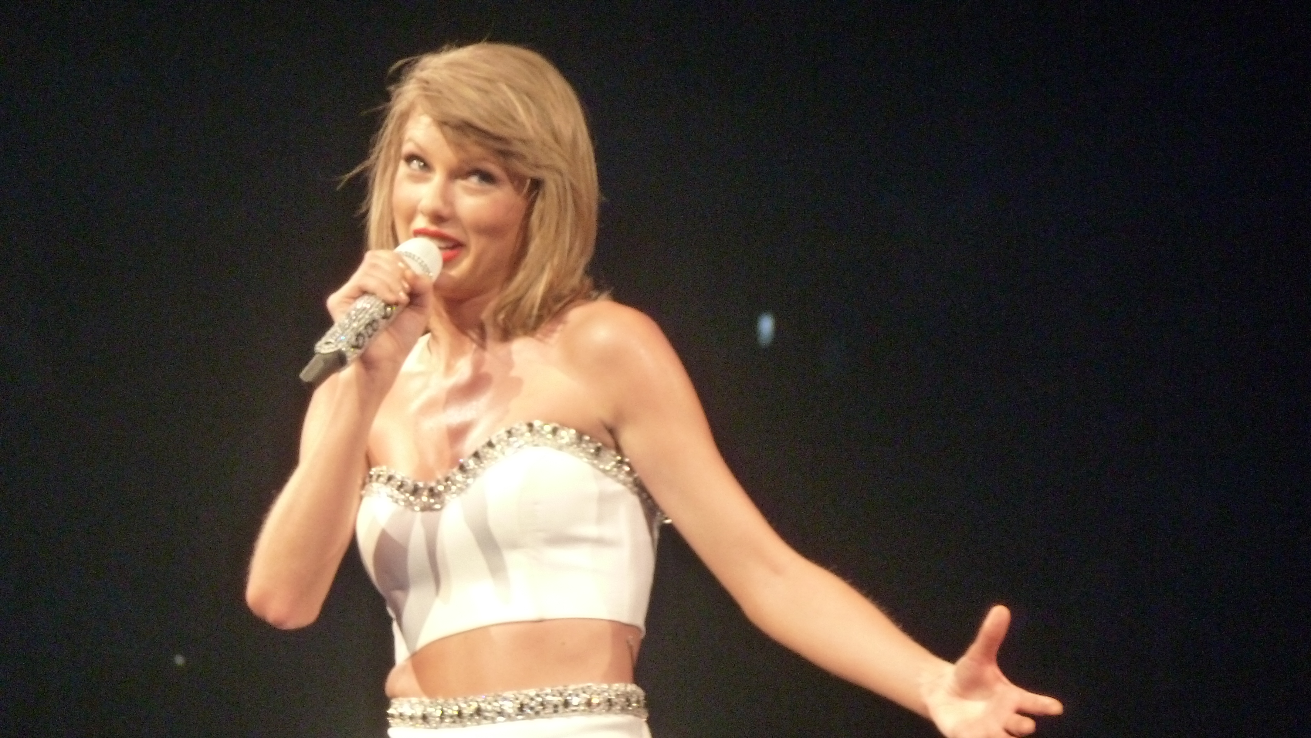 Inside The 1989 World Tour Montreal The Ultimate Taylor Swift Experience The Swift Agency