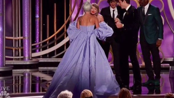 golden-globes-2019-hug-capture