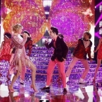 Taylor Swift & Brendon Urie perform ME! on The Voice Season Finale